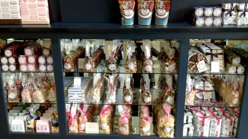 rococo shelves